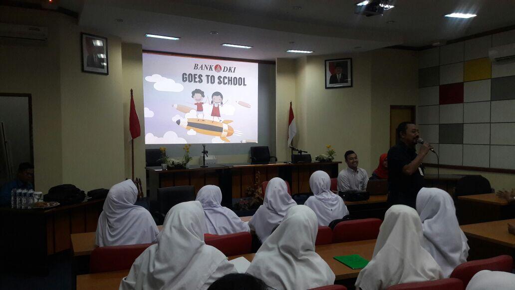 Bank DKI Goes to School di SMKN 4 Jakarta